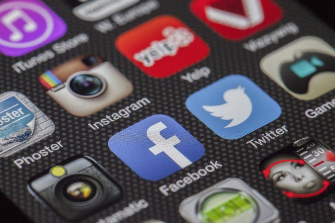 geld verdienen social media